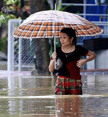 looks-like-that-umbrella-helps.jpg